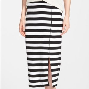 Kensie Open Slit Black and White Skirt *NWOT*